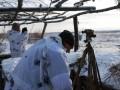 Двое украинских военных попали в плен на Донбассе