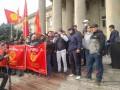 В Бишкеке начались столкновения со стрельбой между митингующими