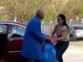 В Киеве дворник подрался с женщиной из-за мусора