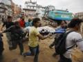 Число погибших в результате землетрясения в Непале уже оценивают в 876 человек