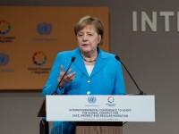 Меркель убедила Путина отправить Суркова на переговоры по Азову
