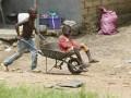 В Гвинее в результате обвала полигона с мусором погибли 8 человек