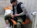Не понравился ремонт: В Киеве пациент жестоко избил врача