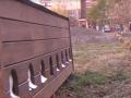 В Киеве жители многоэтажки построили коммуналку для котов