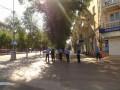 В Мариуполе отменили экзамены школьникам, большинство банков не работает