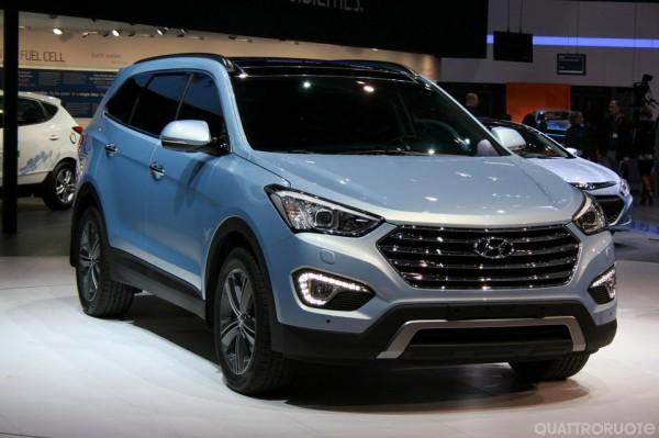 Hyundai Grand Santa Fe - семиместный внедорожник