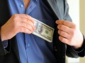 Назван средний размер взятки в Украине