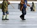 В Финском заливе с дрейфующей льдины сняли 38 рыбаков