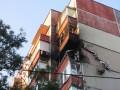 Ночью в Донецке снаряд попал в жилой дом (видео)
