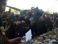 Танки, танцы, два стола: Боевик Гиви отметил день рождения на фоне бронетехники