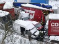 Более 30 автомобилей столкнулись из-за снегопада в Чехии