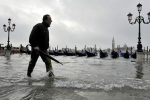 Чрезвычайное предупреждение объявлено в Венеции
