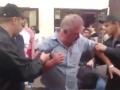 На рынке в Киеве кавказцы пенсионеру сломали нос, когда он заступился за женщину