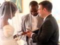 В Зимбабве крокодил откусил невесте руку, но свадьба состоялась
