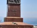 В Одессе вандалы повредили монумент Неизвестному матросу
