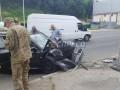 В Киеве автомобиль военных прокуроров врезался в столб