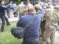 Луценко о 9 мая в Днепре: Восемь титушек напали на бойцов АТО