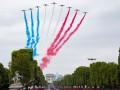 Годовщина взятия Бастилии: в Париже проходит парад
