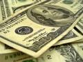 Украинцы продолжают забирать валютные депозиты из банков