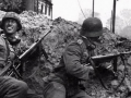 В Саратове к 9 мая общежитие украсили фото солдат вермахта