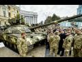 В центр Киева свезли новую боевую технику