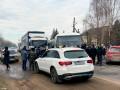 На Буковине в двух селах люди перекрыли дороги