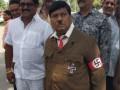В Индии депутат пришел на заседание парламента в образе Гитлера