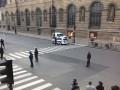 В Париже эвакуировали Лувр из-за нападающего с мачете