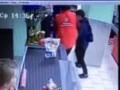 В российском супермаркете продавщица избила ребенка