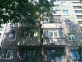 В Першотравенске мужчина застрял между балконами