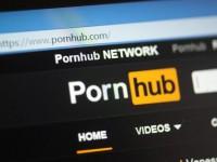 """""""Не понимаю диалоги"""": глухой американец подал в суд на Pornhub"""