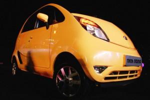 """Самый дешевый автомобиль в мире сняли с производства из-за """"самовозгорания"""""""