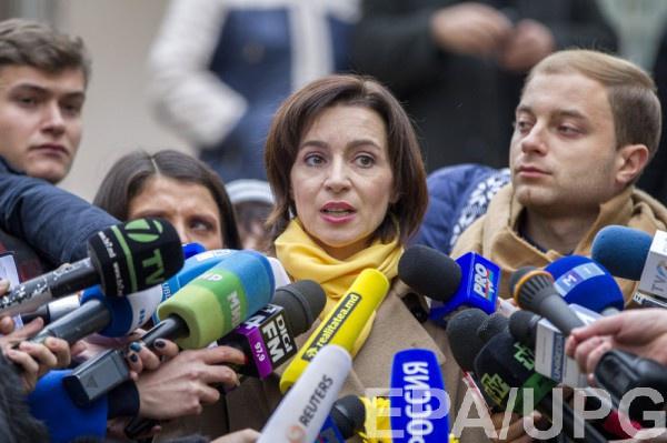 Молдова: вовтором туре выборов президента встретятся Додон иСанду
