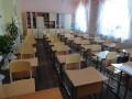 Под Одессой в школах решили распилить парты для соответствия стандартам