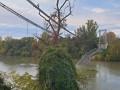 Во Франции рухнул автомобильный мост, есть жертвы