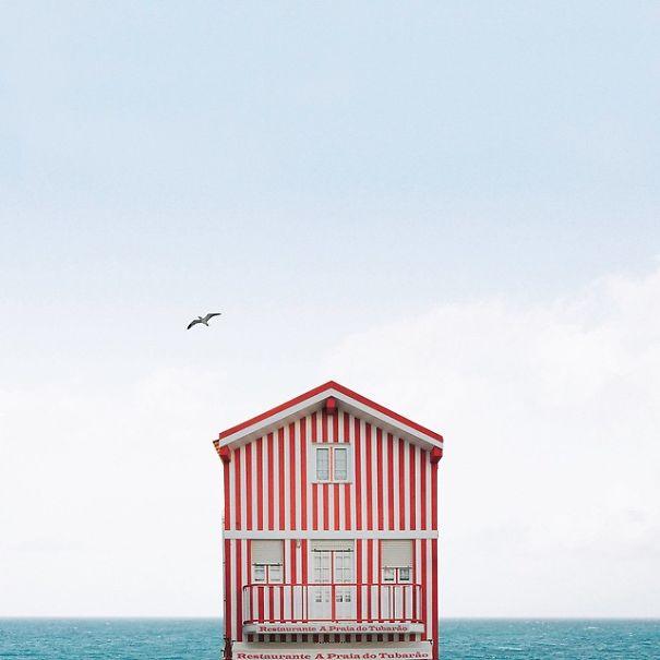 Заброшенные дома Португалии в минималистичных снимках