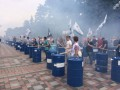 Под Радой митинг: националисты жгут файеры и стучат в бочки