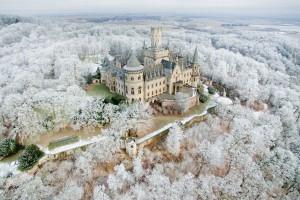 Зимняя сказка: в Сети показали заснеженную Европу с высоты птичьего полета