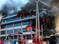 В Баку крупный пожар в торговом центре