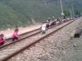 В СМИ попало видео использования детского труда в КНДР