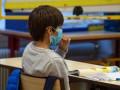 Во Франции открыли школы после двух месяцев карантина