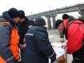 Водолазы ищут тело студентки, которая прыгнула с моста Патона