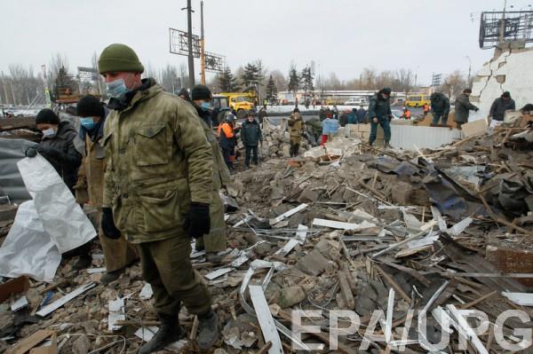 Руины на месте взрыва в Донецке 2 февраля