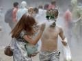 Белая гвардия: На Трухановом бросались мукой (ФОТО, ВИДЕО)