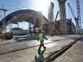 На Чернобыльской АЭС продолжается строительство саркофага