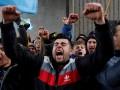 Крымские страсти. Фоторепортаж с массовых потасовок в Симферополе
