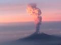 В Сети появилось видео зрелищного извержения вулкана в Мексике