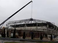 В Киеве демонтировали здание дельфинария Немо