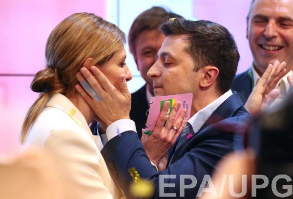 Жена Зеленского заверила, что ее муж работает над знанием украинского