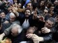 Голодные греки дерутся за бесплатные овощи (ФОТО)